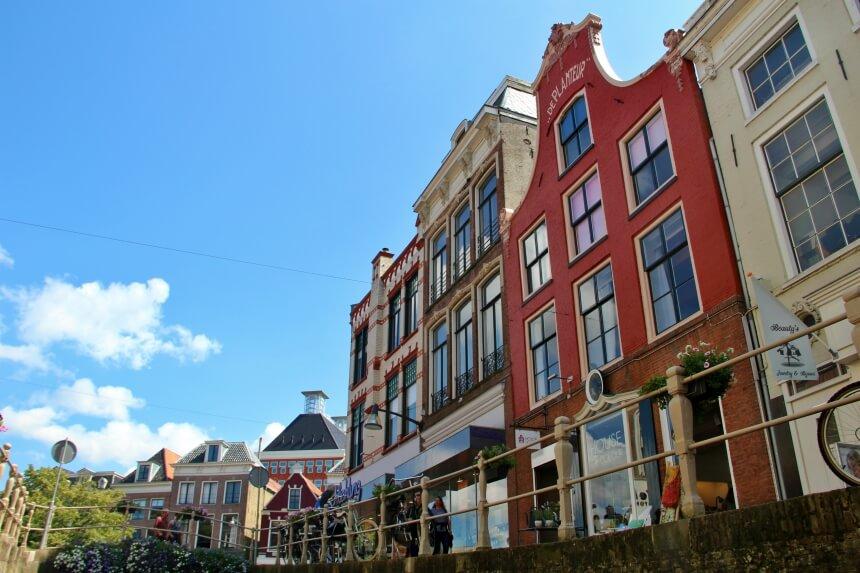Oude grachtenpanden in Leeuwarden