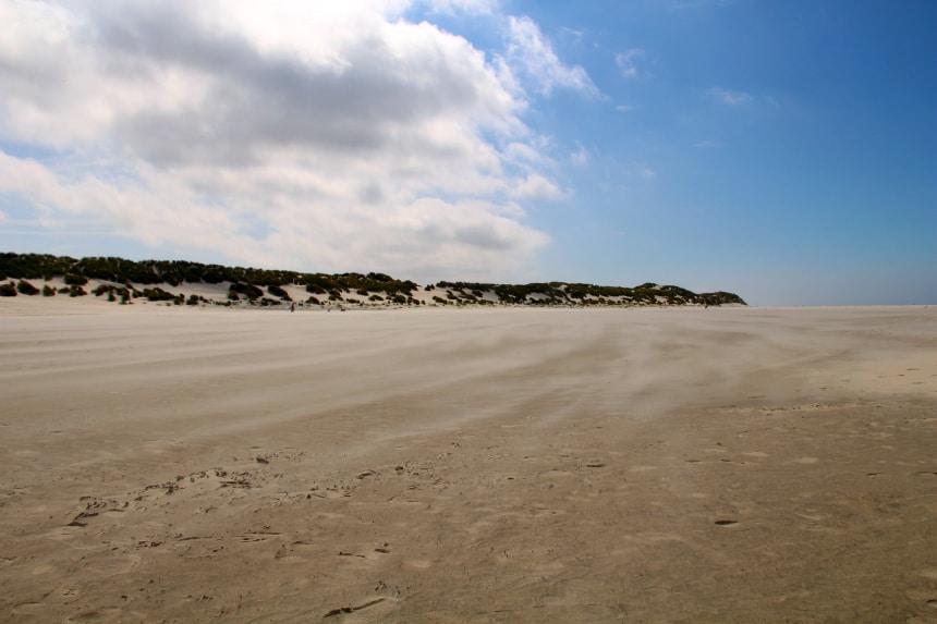 Uitwaaien op het strand van Terschelling
