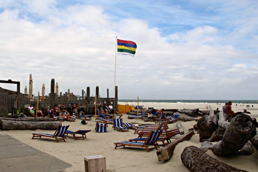 Strandpaviljoen West aan Zee op West-Terschelling