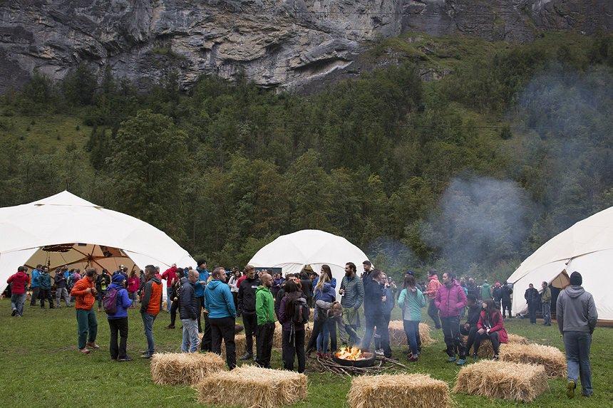 Kampeerterrein van het festival