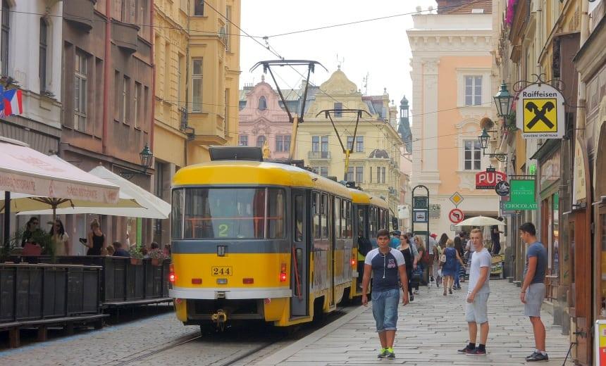 Pilsen is een moderne stad die vanuit Praag in een uurtje is te bereiken.