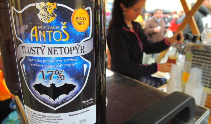 Het festival 'Sun in the Glass'. 70 mini-brouwerijen presenteren hun biergeheimen.