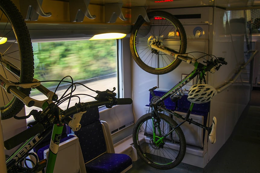 Mountainbike in trein