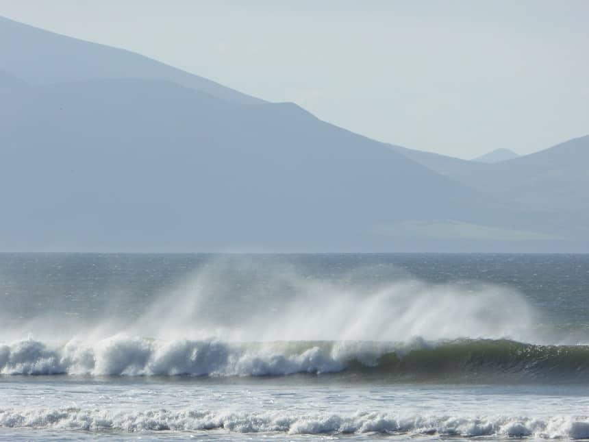 Inch Beach is de toegangspoort tot Dingle en laat duidelijk zien dat je hier echt met de 'wild' Atlantic te maken hebt!