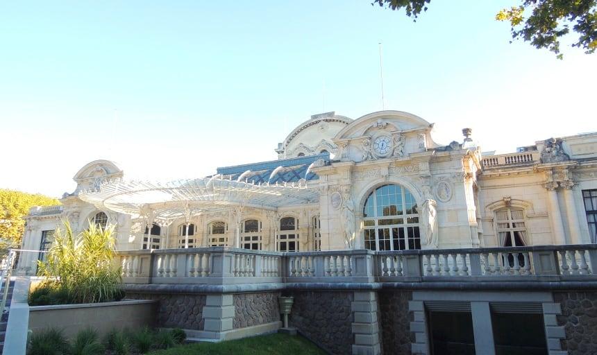 In Vichy straalt de luxe van de gebouwen in het kuurpark.