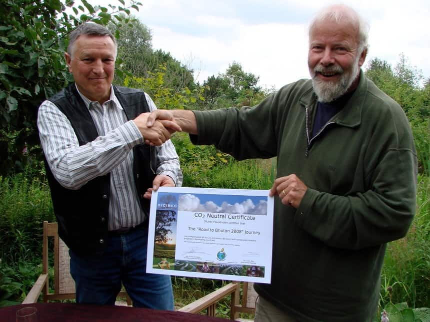 """Buurman Popko regelt voor het gehele project """"Road to Bhutan"""" het CO2-neutraal certificaat. Het nieuwe bos wordt aangeplant in het Amazone-gebied van Bolivia. Hij runt daar een groot project (ArBolivia) als CEO Sicirec"""