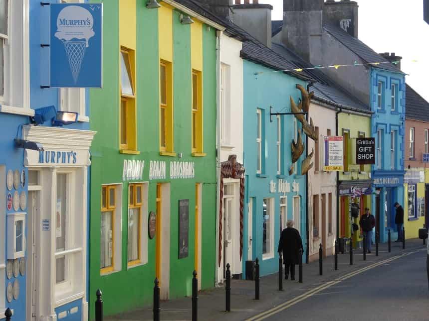 De kleurrijke straatjes van Dingle.