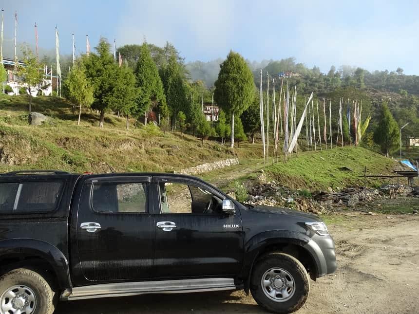 Met de Toyota Hilux naar Chador Lhakhang