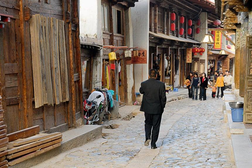 Straatbeeld in de nieuwe oude stad van Shangri-la