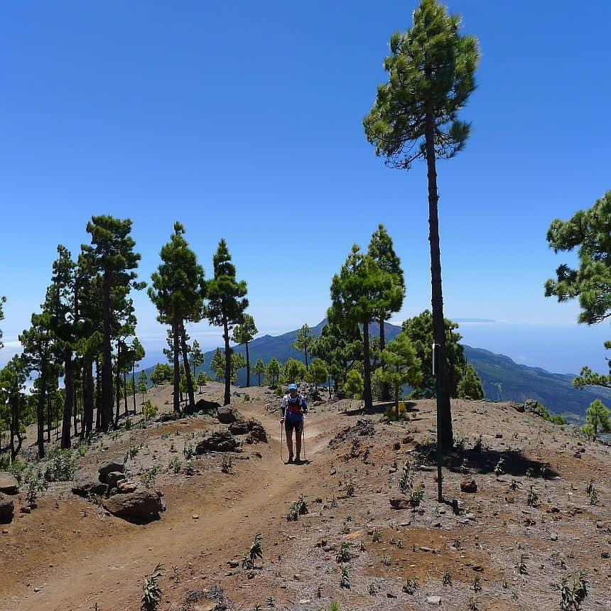 De Cumbre Nueva. Deze bergkam vormt samen met de Cumbre Vieja een prachtig gebied met diverse vulkaantoppen en schitterende natuurverschijnselen