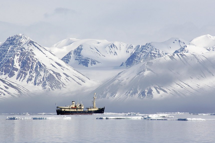 Op expeditie rond Spitsbergen (Photo: Kristin Folsland Olsen).
