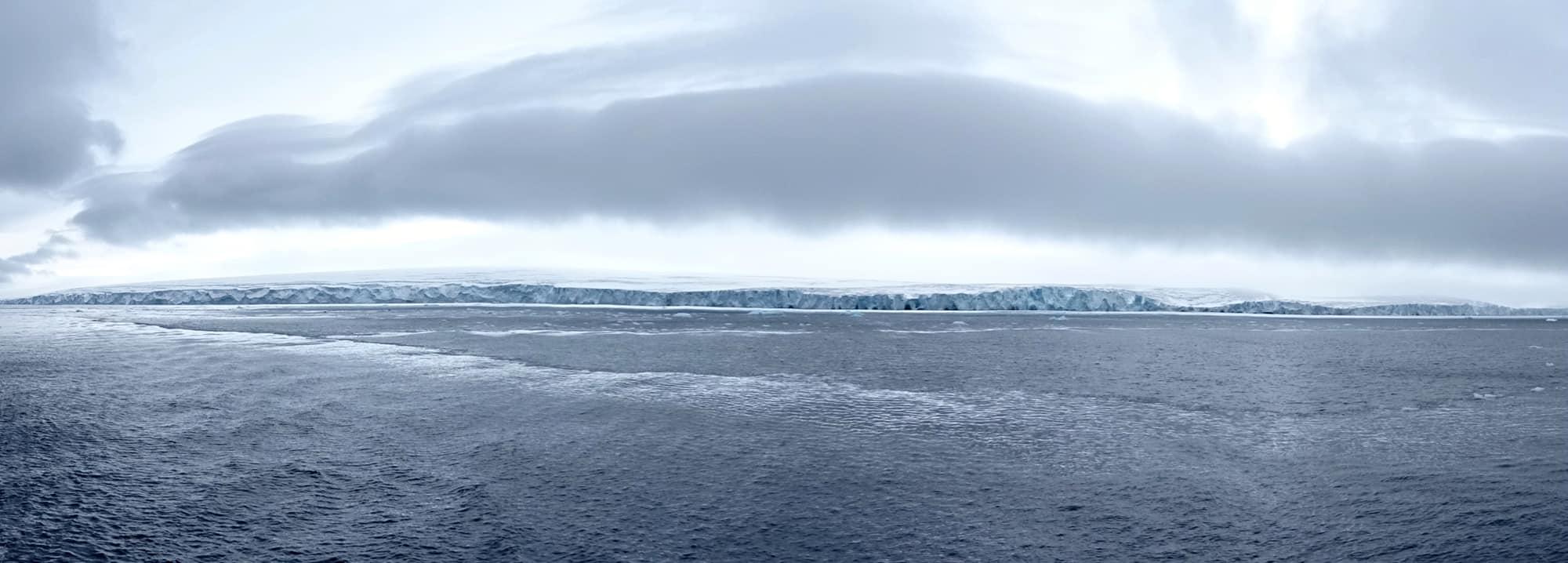 Het eiland Kvitoya bestaat uit ijs en nevel