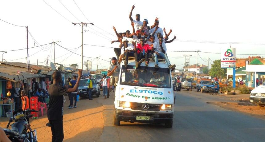Gambia kiest na 22 jaar 'moderne slavernij' een nieuwe president. Kippenvel.