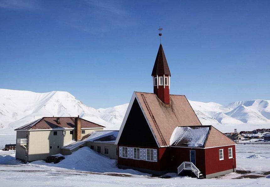 De Svalbard kirke, 's werelds noordelijkste kerk.