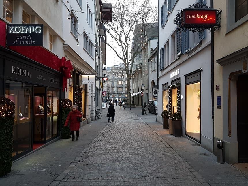 Wandel door de pittoreske straatjes van de stad.