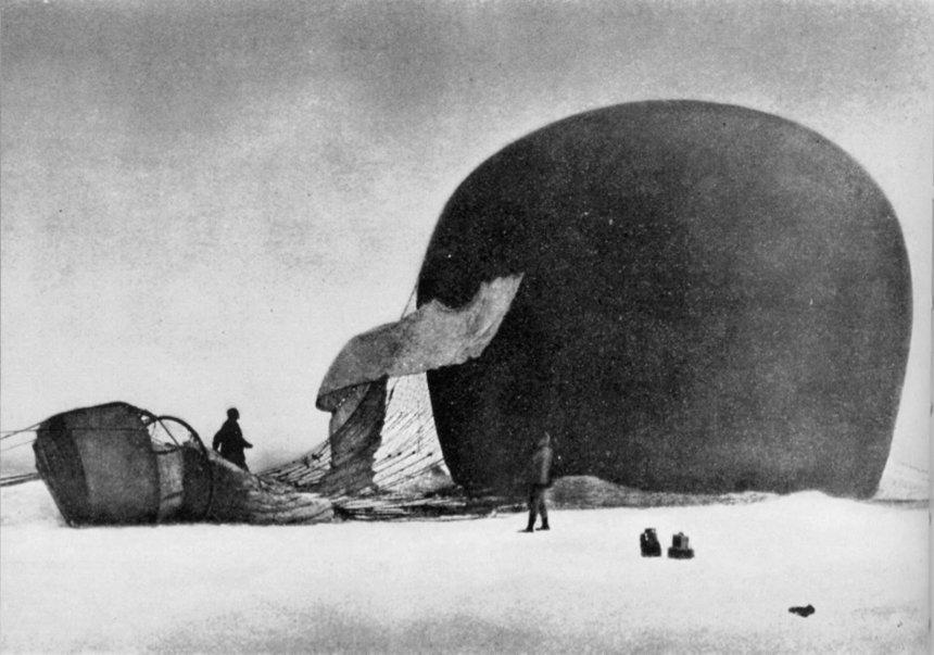 Ballon van Andree-expeditie op het zee-ijs