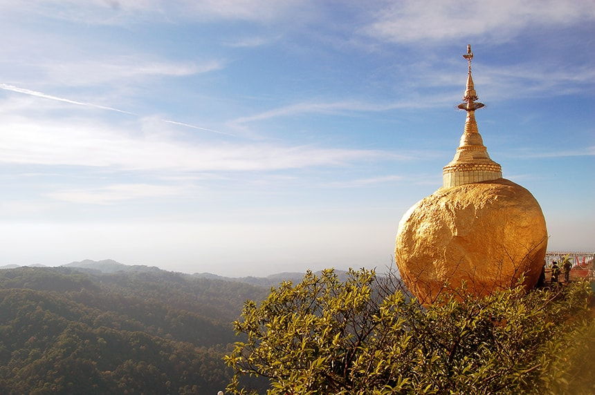Mount Kyaiktiyo, bekend vanwege de Golden Rock