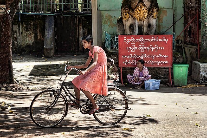 Fietsen in Myanmar is een belevenis