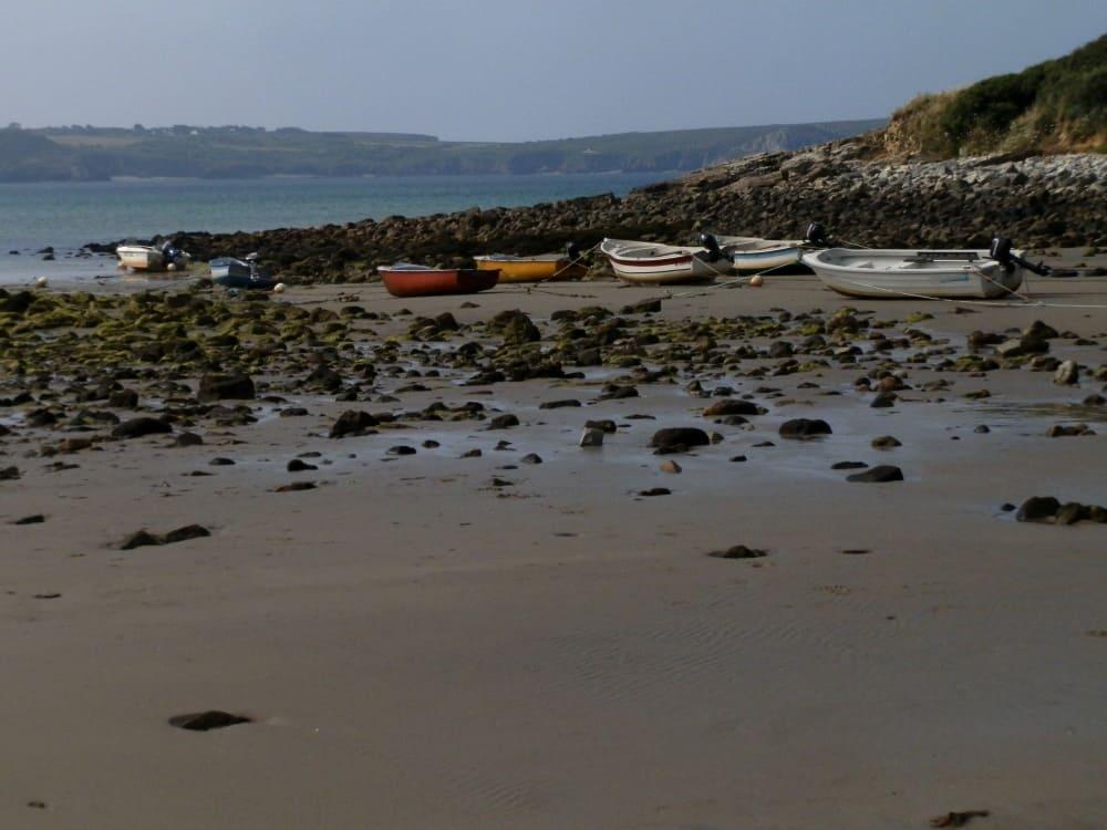 Soms loopt het pad heerlijk over het strand, voor zover mogelijk bij eb