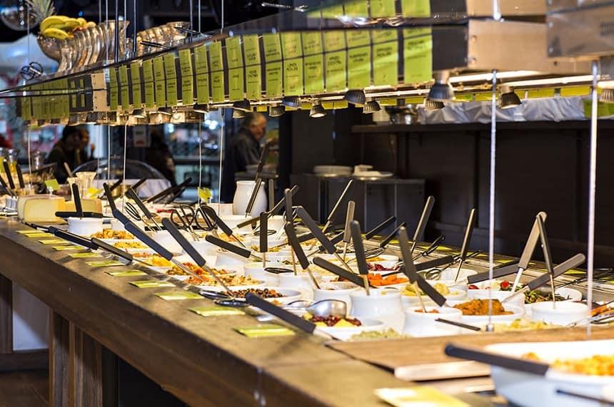 Vegetarisch buffet bij Hiltl