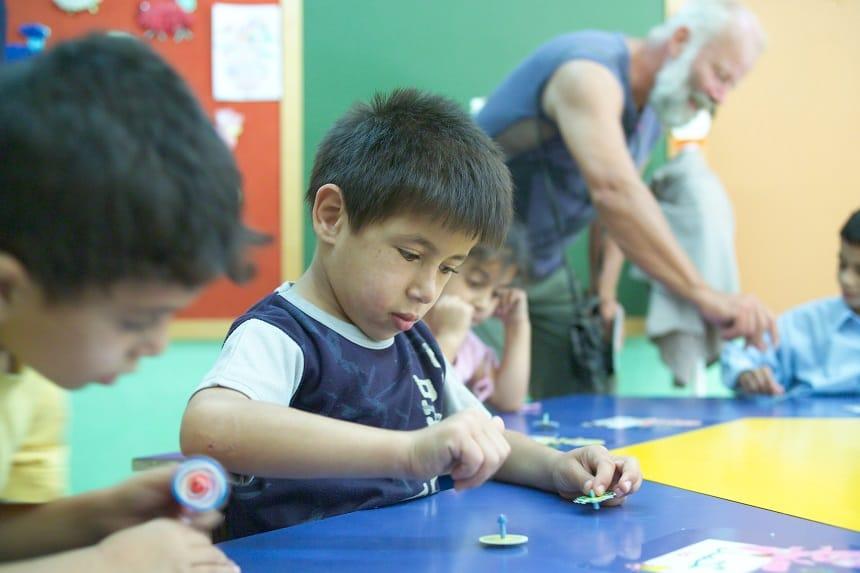 """Dit is slechts een voorbeeld, we hebben 43 kinderprojecten gedaan onderweg tijdens de """"RTT for children"""""""
