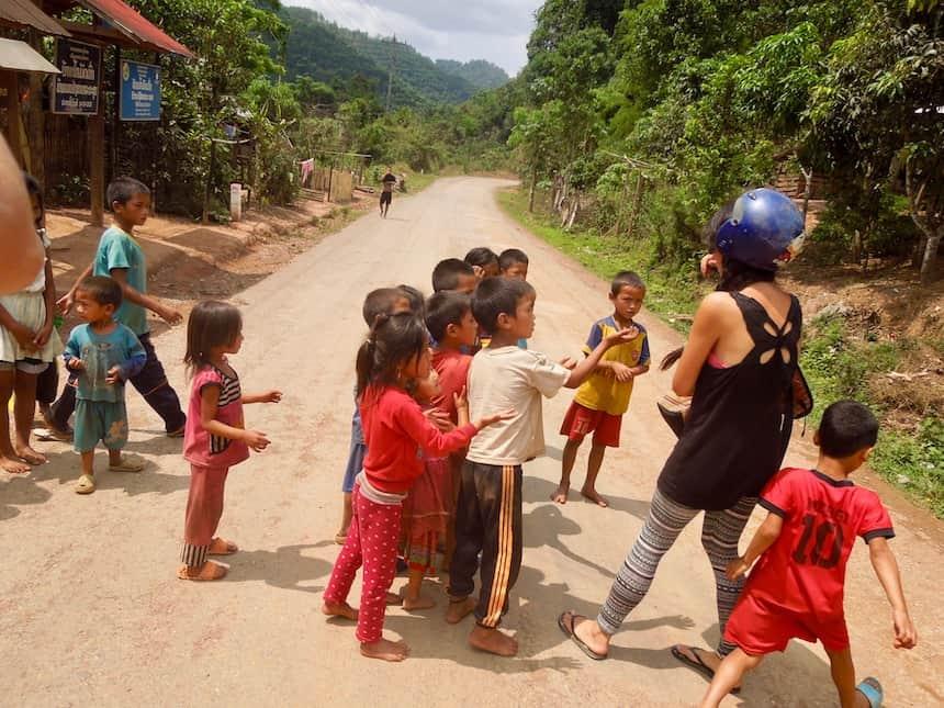 Bedelende kinderen Laos
