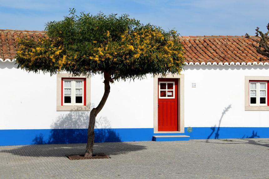 Kleurrijke huizen in Porto Covo
