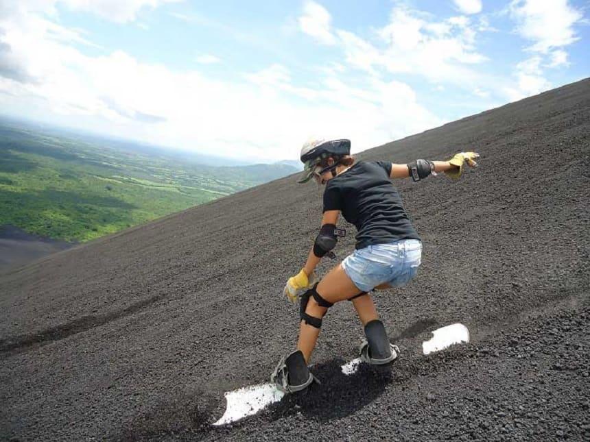 Vulkaanboarden van de Cerro Negro in Nicaragua