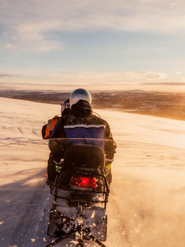 Sneeuwscootertocht, Ailigas, Karigasniemi, Finland