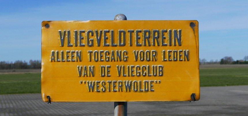 In Nederland zijn genoeg veldjes waar je kunt (mee)vliegen.