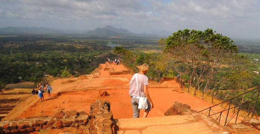 De waanzinnige kleuren van het landschap rond Sigiriya.