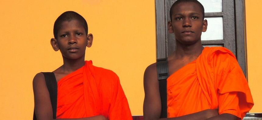 In Sri Lanka gaan velen al jong naar een boeddhistisch klooster.