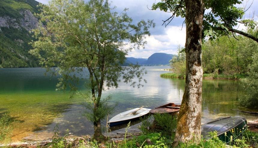Het meer van Bohinj, blikvanger in duurzaam toerisme in Slovenië. Foto Jess Damen.