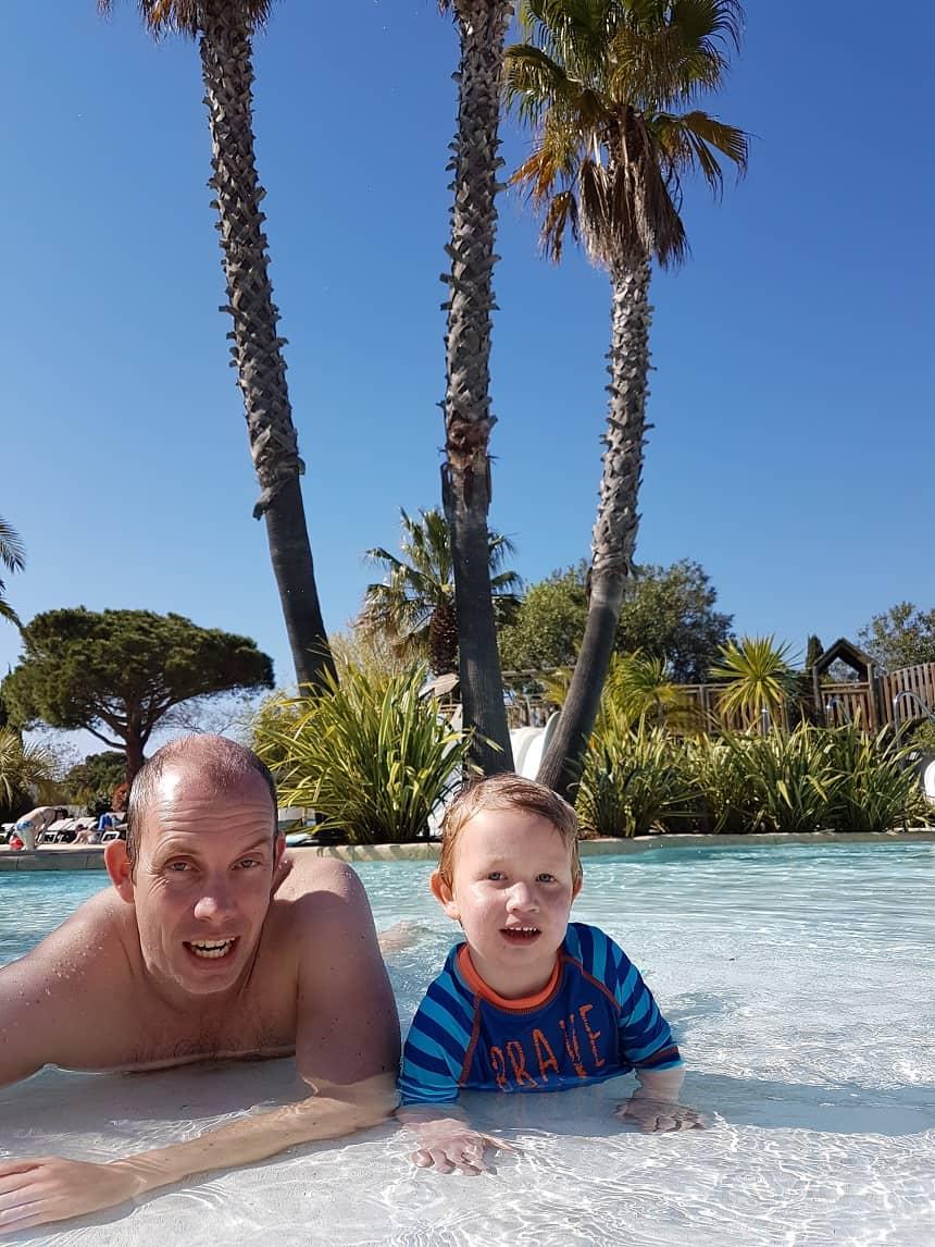zwemmen les petits camarguais