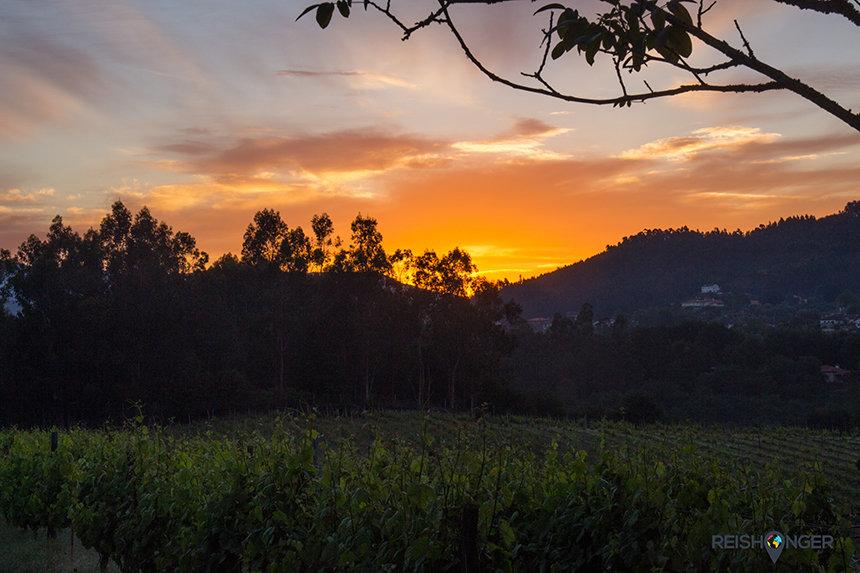zonsopgang achter de bergen