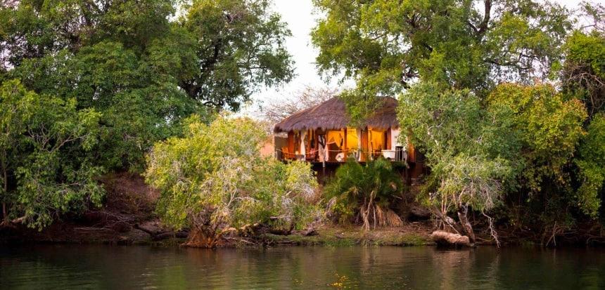 Mukambi Safari Lodge. Slapen in luxe tenten, geweldige Safari, puur Afrika!