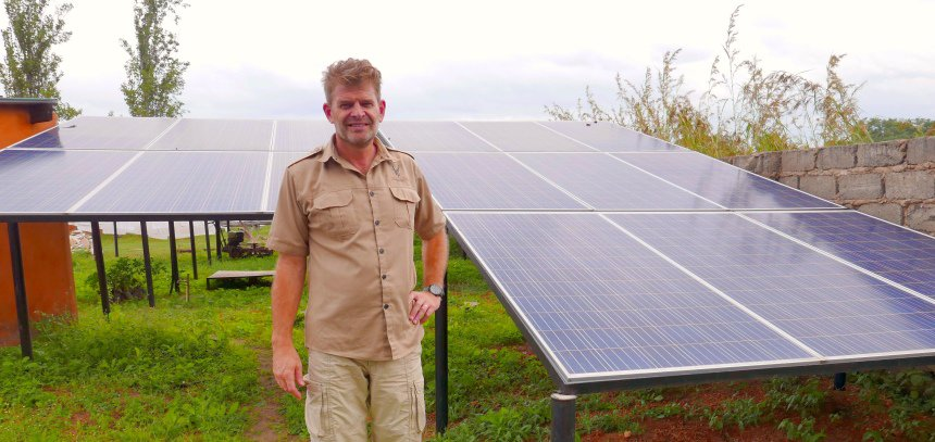 Makambi Safari Lodge is 100% solar powered en gaat duurzaam om met omgeving en bevolking.