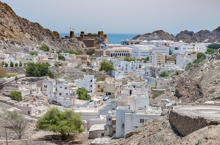 Oud Muscat, met de forten Al-Jalali en Al-Mirani