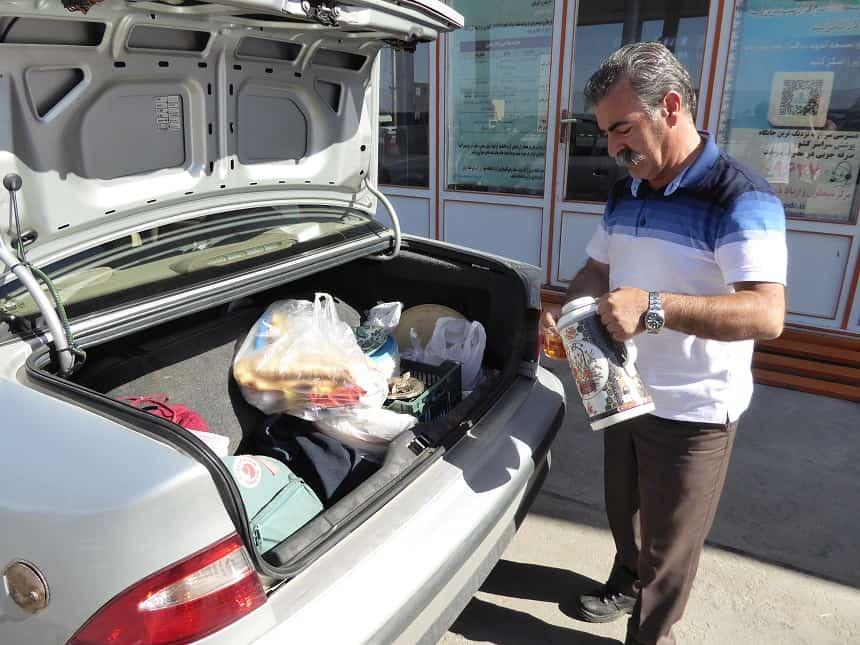 Kopje thee bij een taxichauffeur in Iran