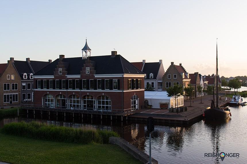 Vanaf Landal Esonstad vaar je zo het Lauwersmeer op
