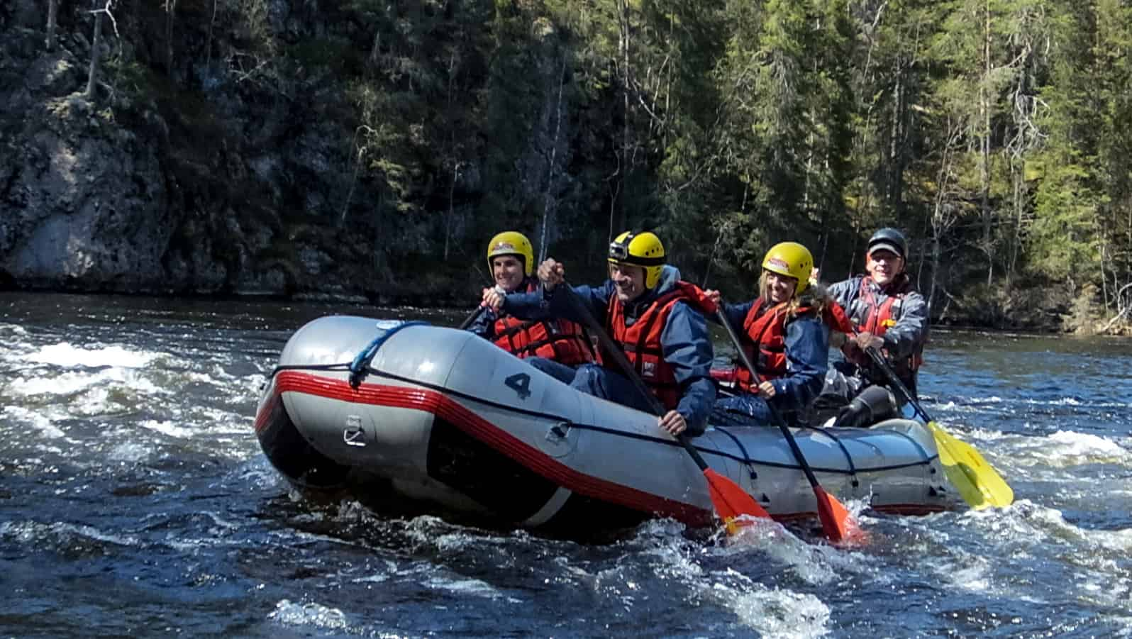 De ultieme raft ervaring op de Kitkajoki rivier