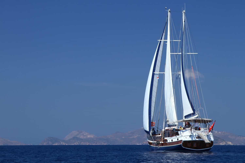 Blue cruise met zeilschip de Sila