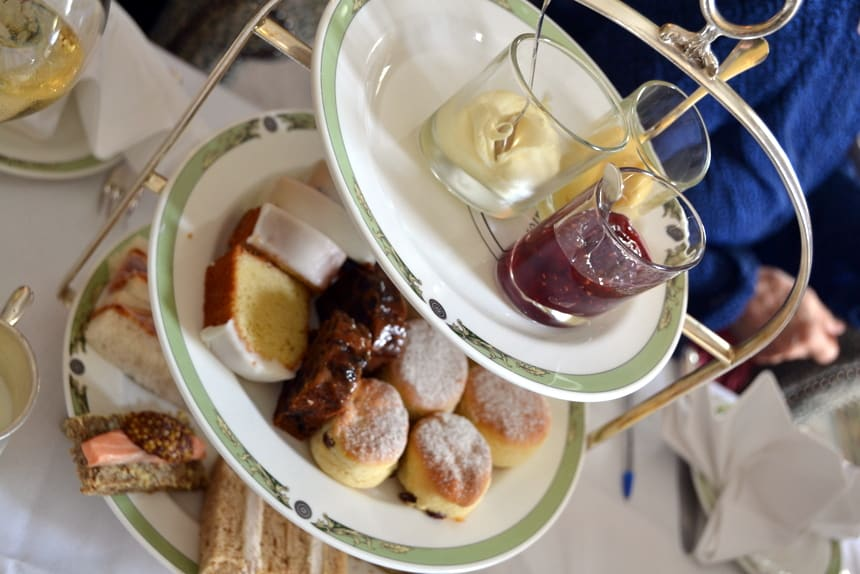 Een high tea in het Merrion Hotel, Dublin