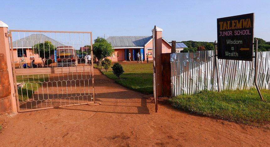 Ook deze school kookt inmiddels op een kookoven: sneller, milieubewuster en een goed voorbeeld voor de kinderen.