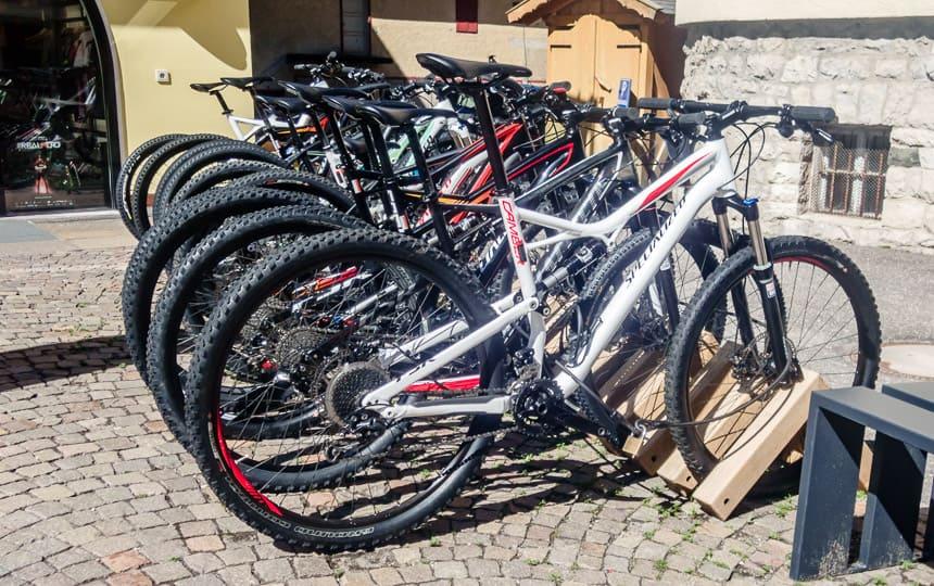 Ook zonder hulpmotor kun je in Val Gardena mountainbiken