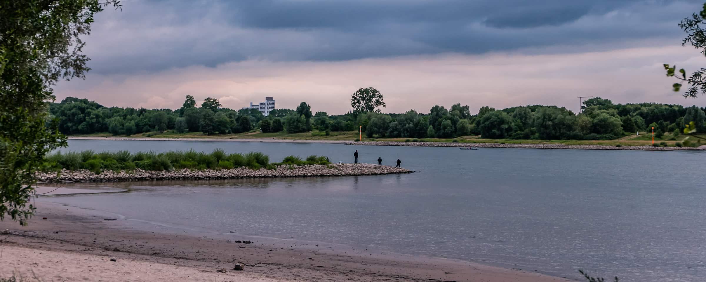 Het strand bij de stadscamping in Keulen