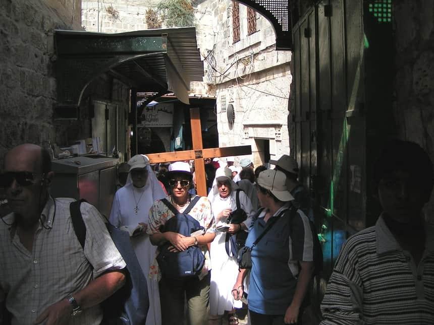 De processie van Franciscanen in Jeruzalem