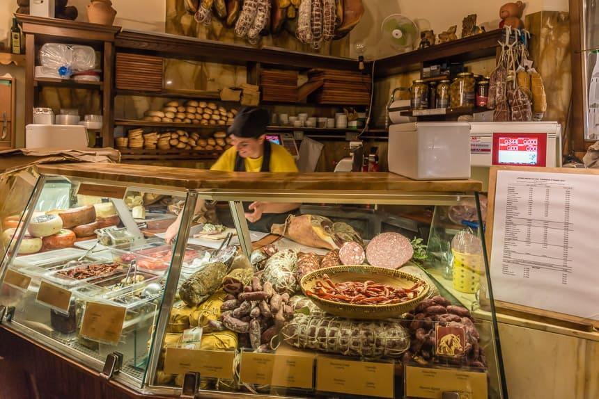 ambachtelijk winkeltje toscane