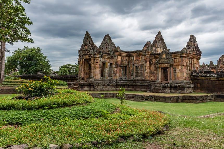 Ook dit bijgebouw heeft de typerende Khmer Architectuur