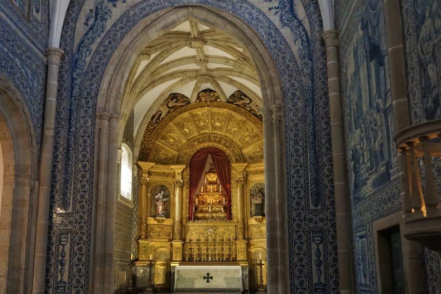 Sé catedral, het paleis van de Cadaval familie